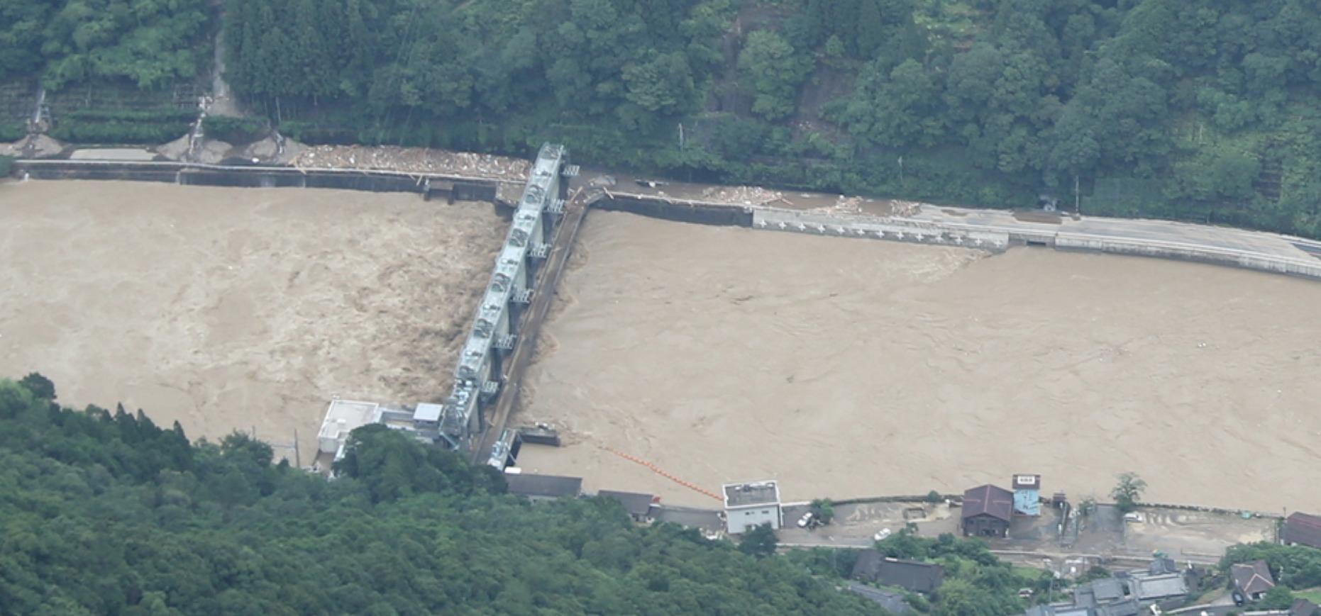 瀬戸石ダムゲート完全開放
